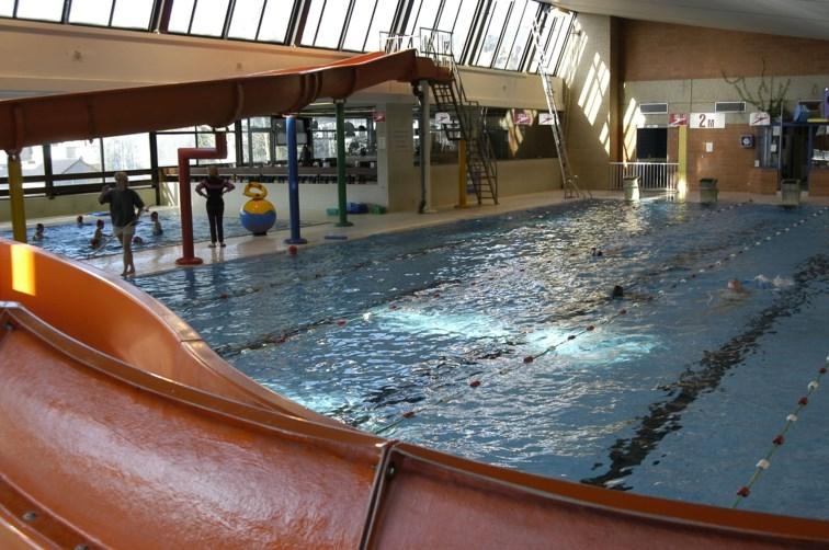 Piscine de jambes visit namur office du tourisme de namur for Accessoire piscine namur