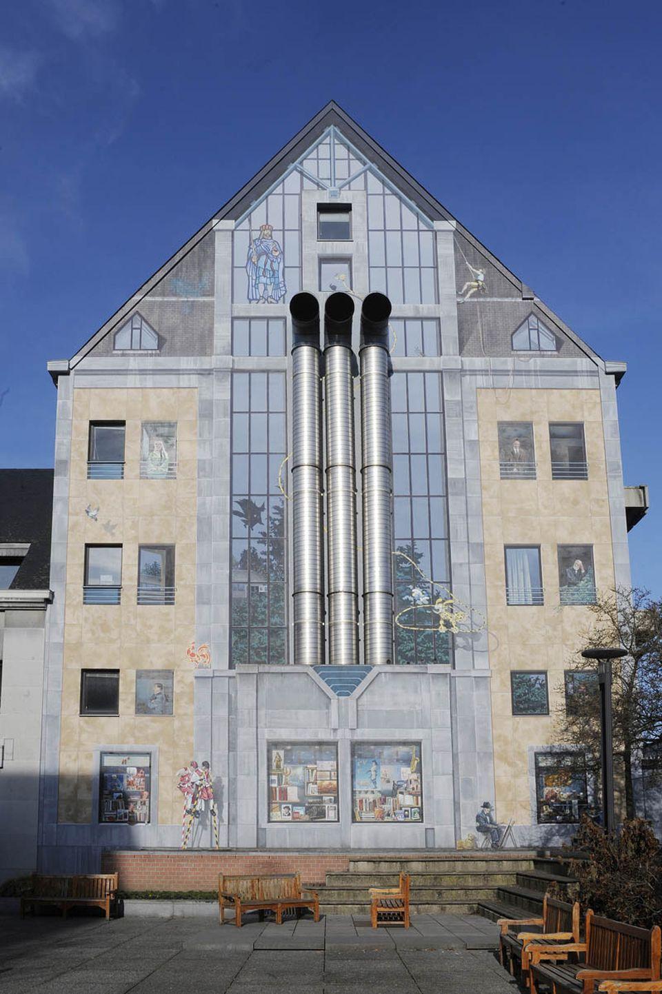 Patrimoine architectural fresque des wallons visit namur office du tourisme de namur - Jardin maison de la culture namur montreuil ...